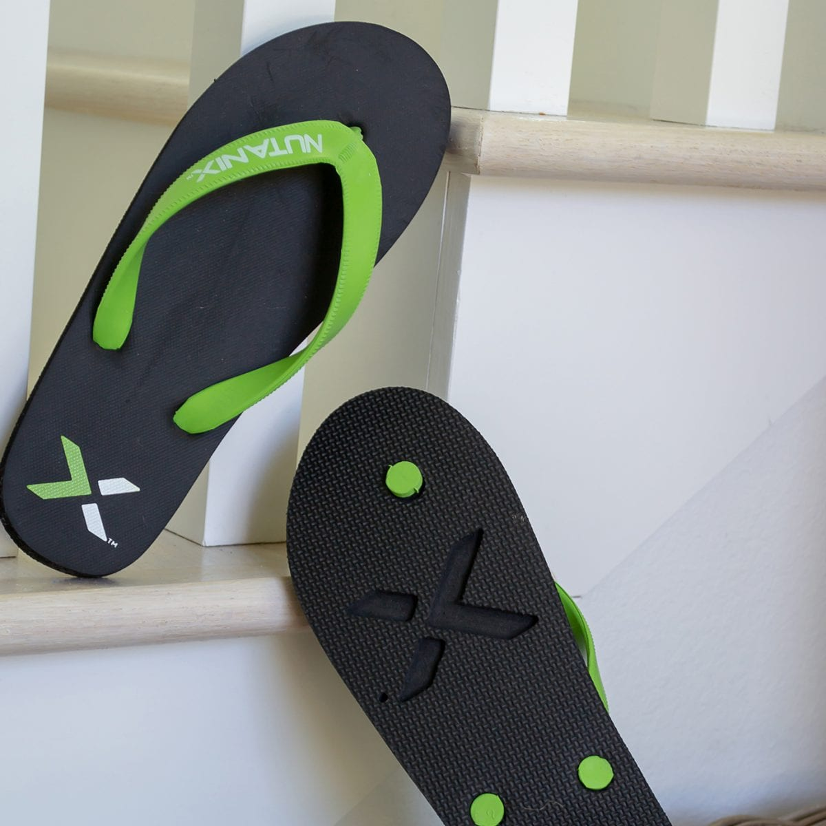 c87392df2ab33 Classic Flip Flops - Neet Feet